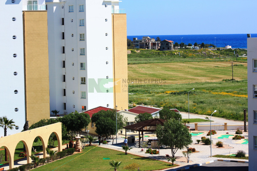 Sea View East Coast Luxury 2 Bed Apartment