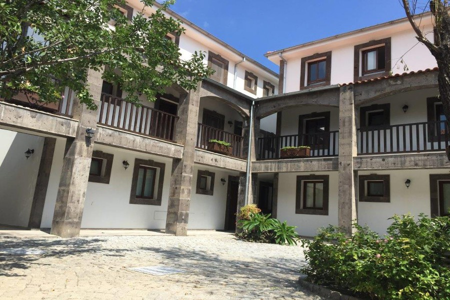 Ottoman Courtyard Apartments – 2 Bed