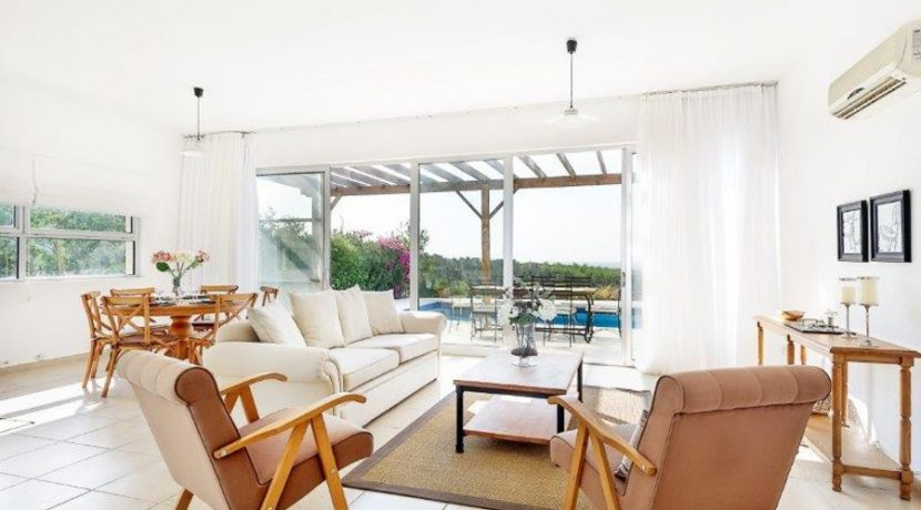 Kyrenia Beach Villa AX12 - North Cyprus Property