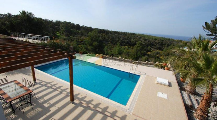 Kyrenia Beach Villa X7 - North Cyprus Property