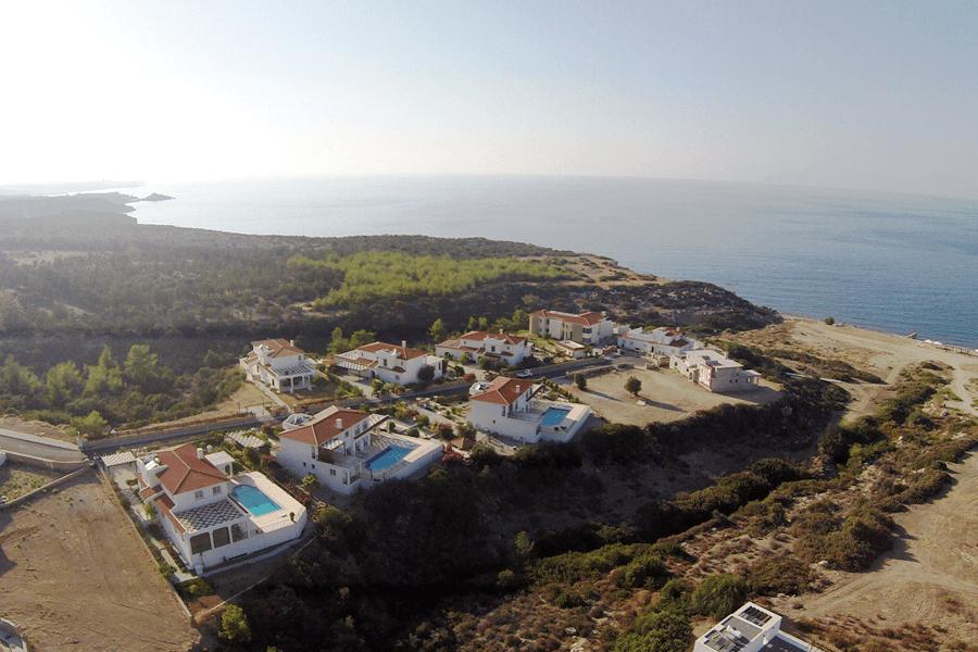 Kyrenia Deluxe Beach & Golf villa – Esentepe