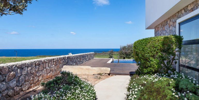 Bahceli Coast Luxury Seaview Villas - North Cyprus Property 17