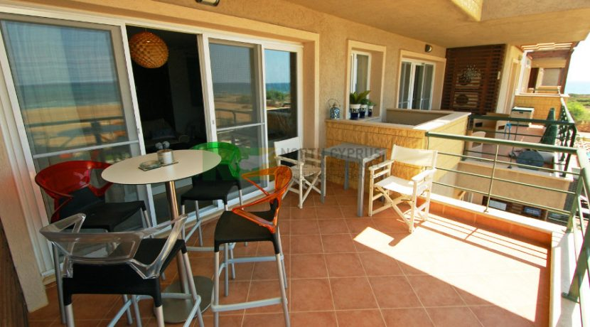 Bafra Beachfront Apartment - 1 B 22 - North Cyprus