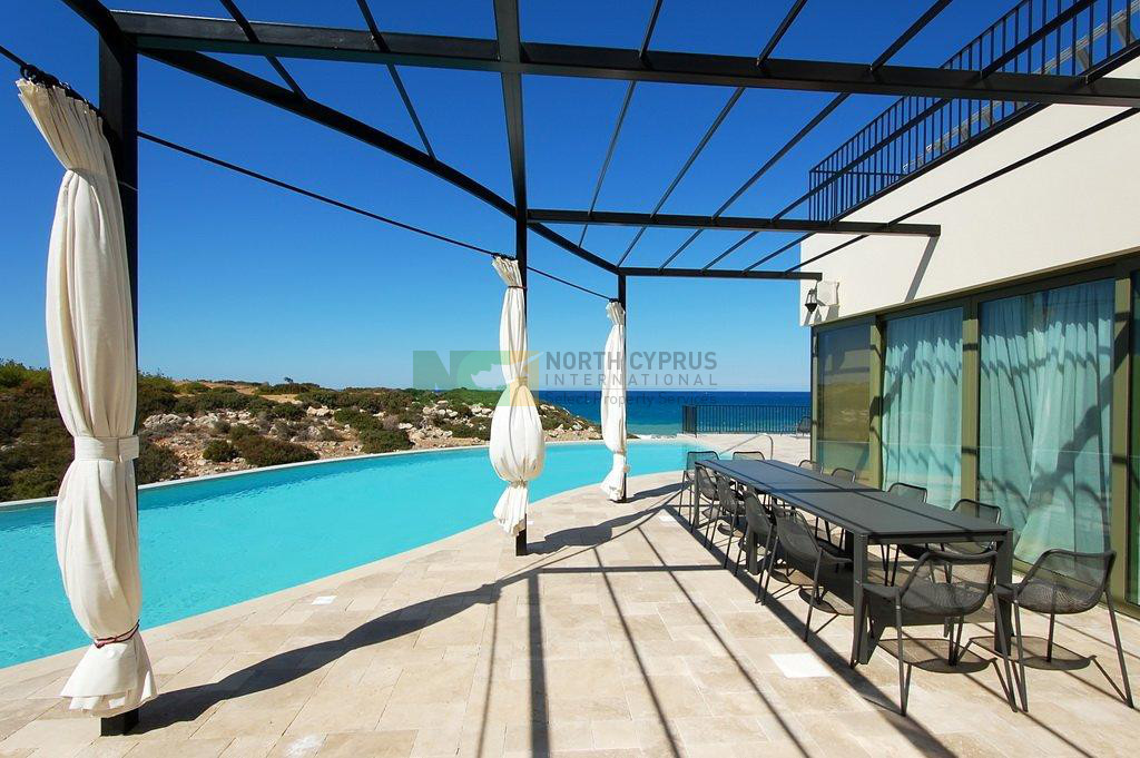 Kyrenia Luxury Golf and Beach Villa – 7 Bed