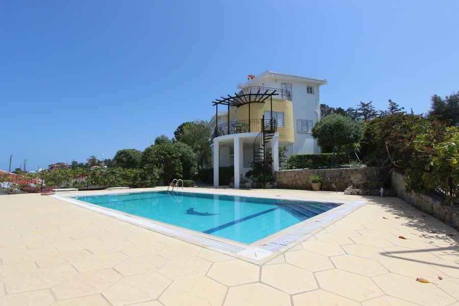 Esentepe Hillside Carob Villa