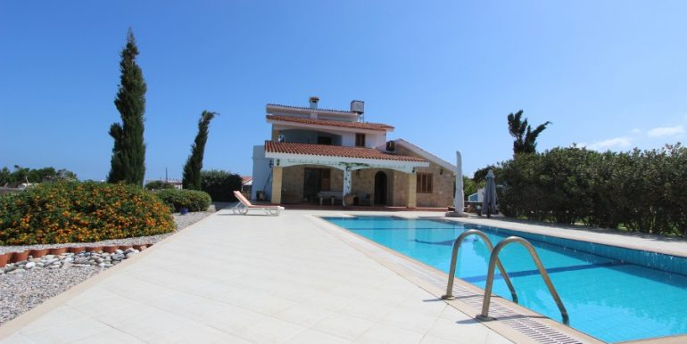 Luxury Esentepe Coast Villa 3 Bed 30 - North Cyprus Property