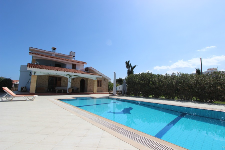 Luxury Esentepe Coast Villa 3 Bed