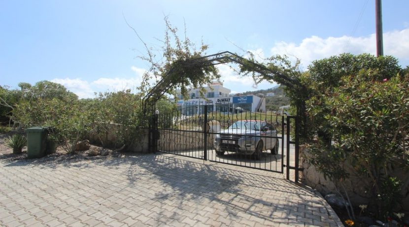 Luxury Esentepe Coast Villa 3 Bed 4 - North Cyprus Property