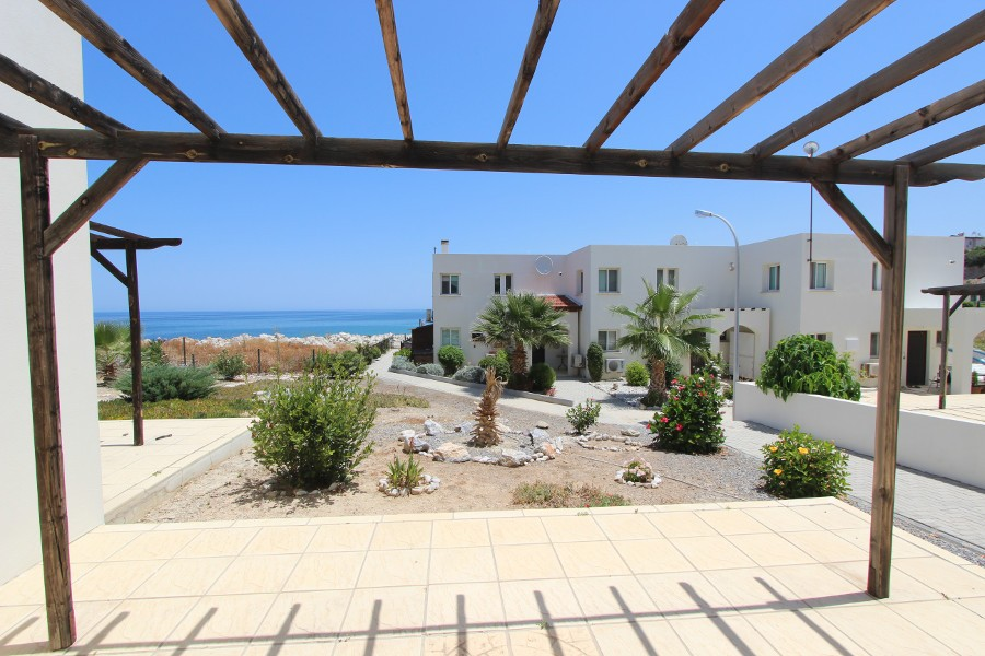 Bahceli Beachfront Mini Villa 2 Bed