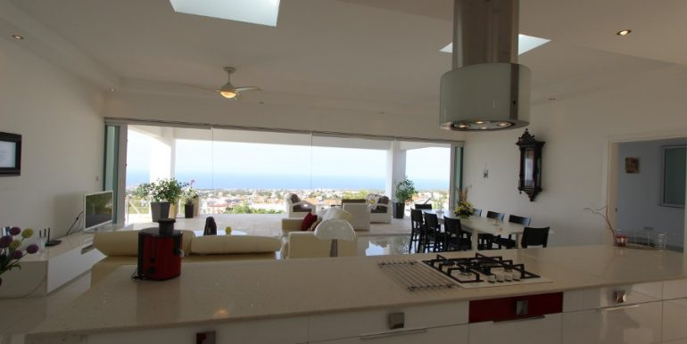 Catalkoy Heights Luxury Ultra-Modern Villa 6 Bed IN32 - North Cyprus Properties