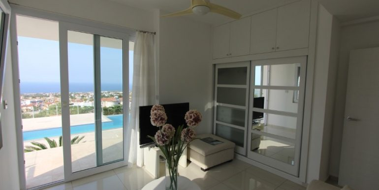 Catalkoy Heights Luxury Ultra-Modern Villa 6 Bed IN8 - North Cyprus Properties