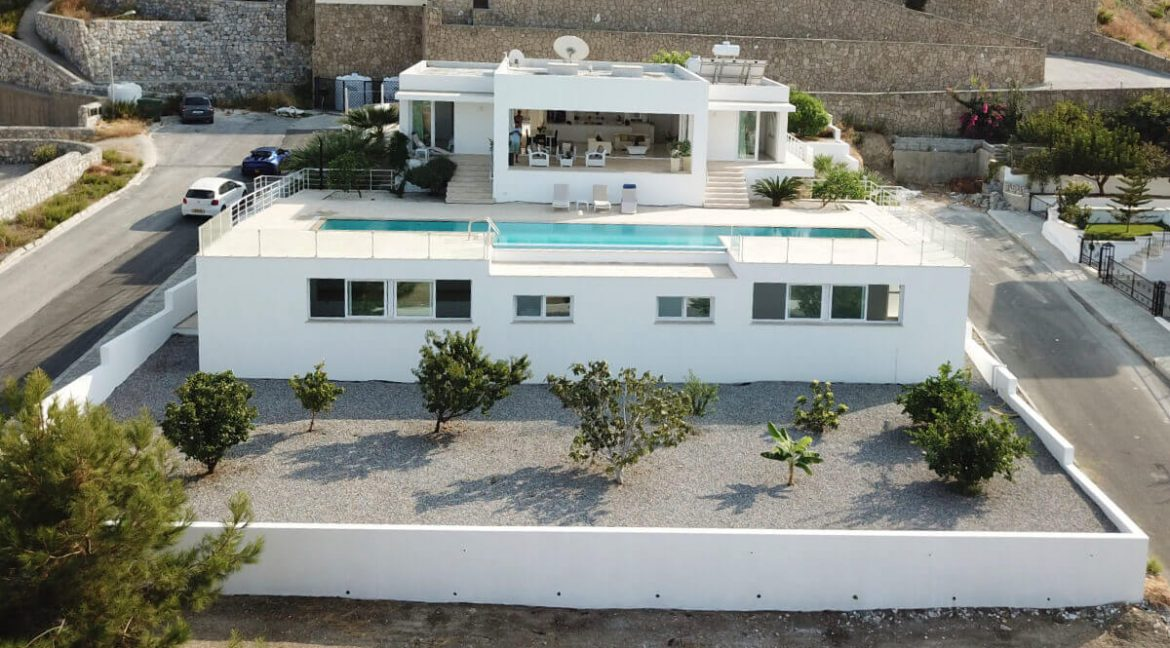 Catalkoy Heights Luxury Ultra-Modern Villa 6 Bed - North Cyprus Properties x1