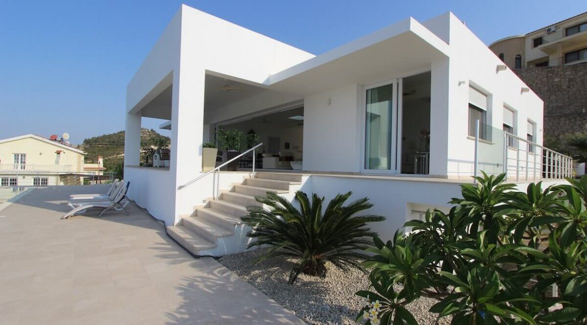 Catalkoy Heights Luxury Ultra-Modern Villa 6 Bed - North Cyprus Properties x2
