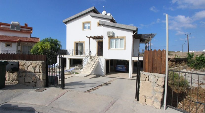 Bahceli Beachfront Seaview Villa EX50 - North Cyprus Properties