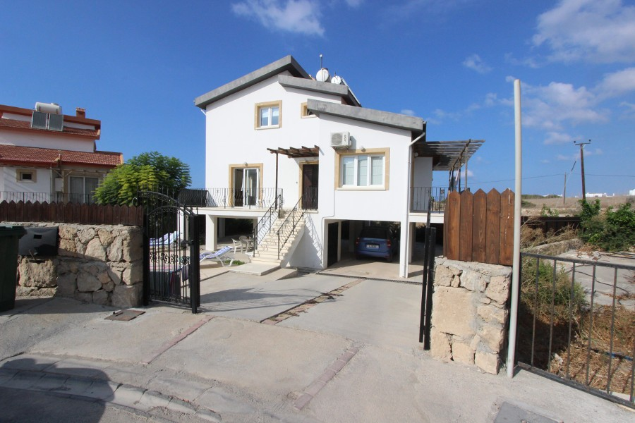 Kucuk Erenkoy Beachfront Seaview Villa