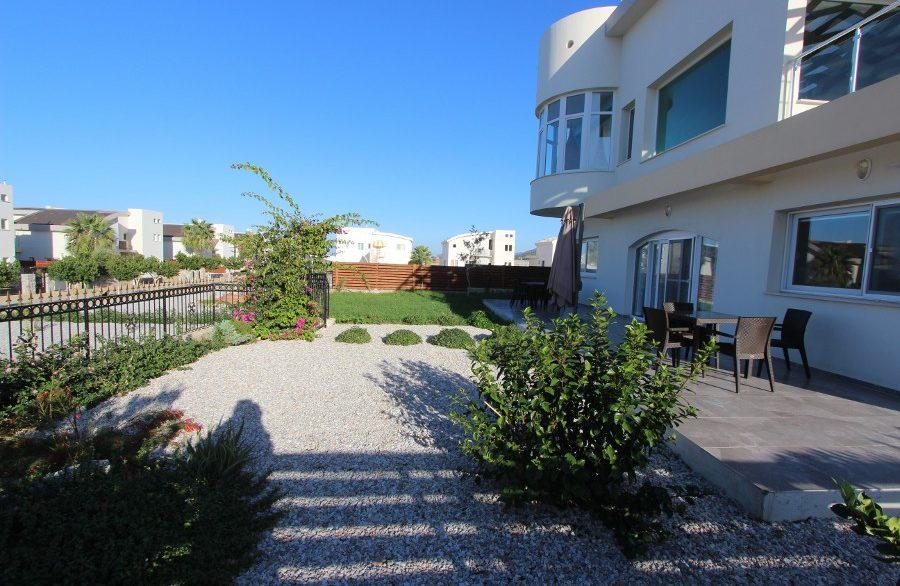 Tatlisu Beachfront 5 Bed Dream Villa EX13 - North Cyprus Properties