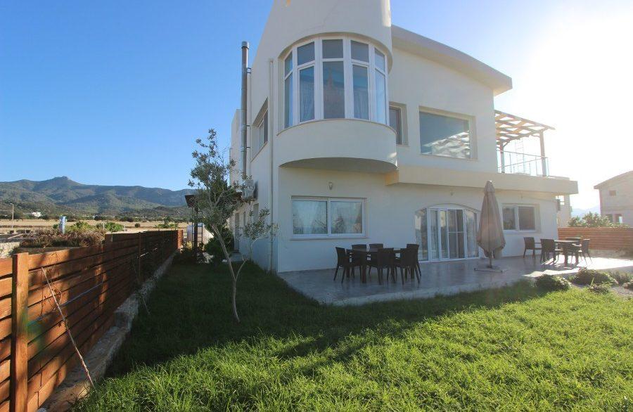Tatlisu Beachfront 5 Bed Dream Villa EX15 - North Cyprus Properties