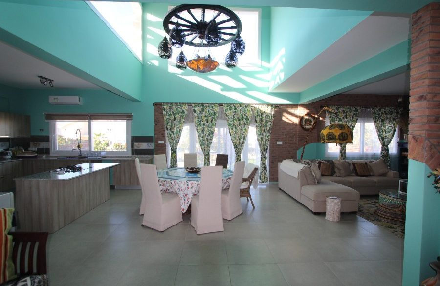 Tatlisu Beachfront 5 Bed Dream Villa IN21 - North Cyprus Properties