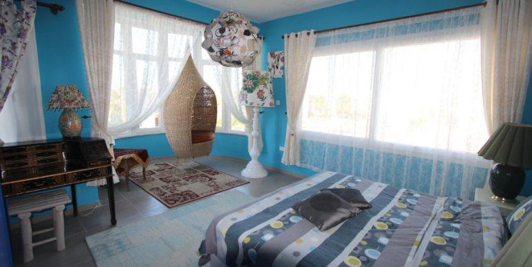 Tatlisu Beachfront 5 Bed Dream Villa IN34 - North Cyprus Properties