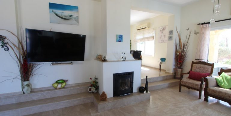 Luxury Frontline Seaview Villa 3 Bed - North Cyprus Property 20