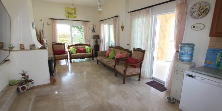 Luxury Frontline Seaview Villa 3 Bed - North Cyprus Property 21