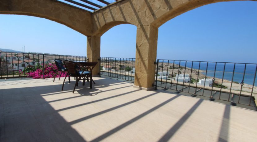 Luxury Frontline Seaview Villa 3 Bed - North Cyprus Property 39