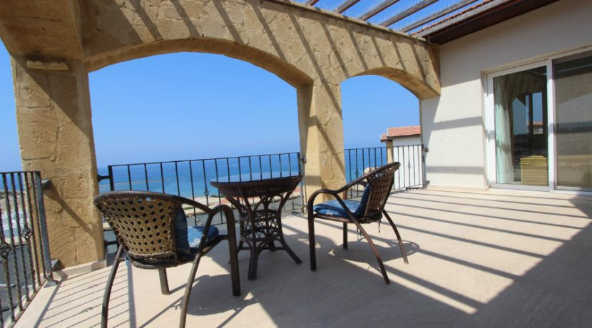 Luxury Frontline Seaview Villa 3 Bed - North Cyprus Property 40