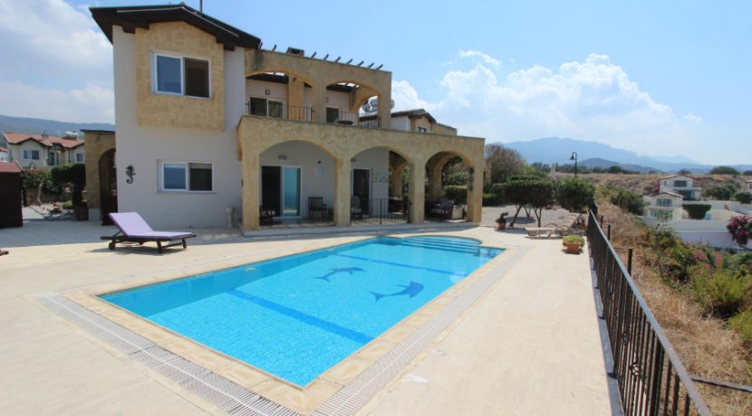 Luxury Frontline Seaview Villa 3 Bed - North Cyprus Property 8