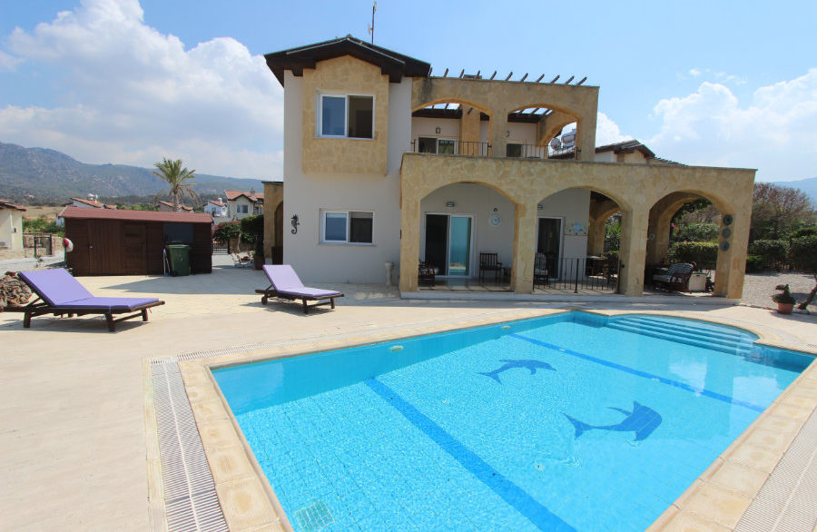 Luxury Frontline Seaview Villa 3 Bed - North Cyprus Property 9