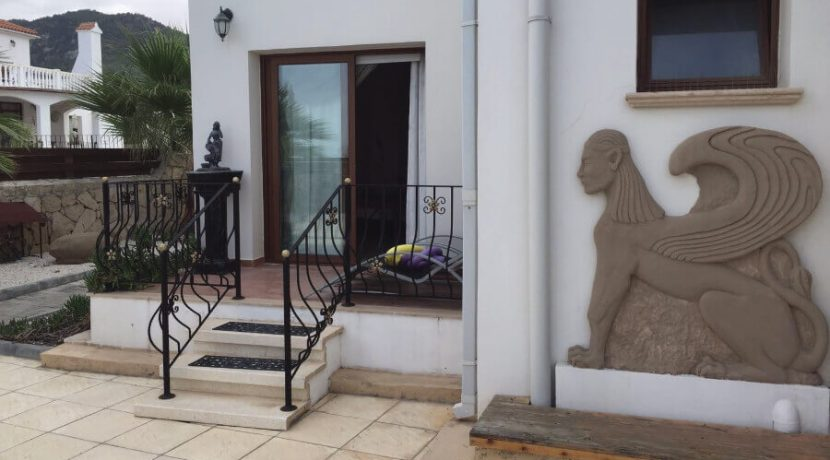 Elegant Seafront Palms Villa in Bahceli 3 Bed - North Cyprus Property 11