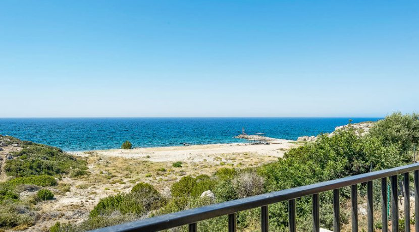 Esentepe Beachfront 500m2 7 Bed Golf Villa - North Cyprus Property 3