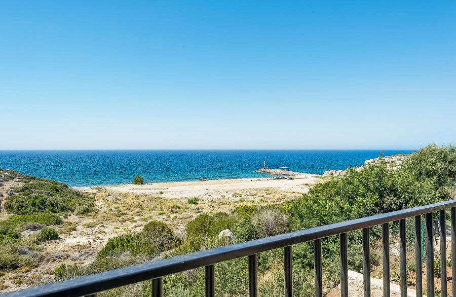 Esentepe Beachfront 500m2 7 Bed Golf Villa - North Cyprus Property 3