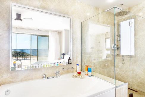 Esentepe Beachfront 500m2 7 Bed Golf Villa - North Cyprus Property 32