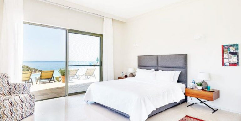 Esentepe Beachfront 500m2 7 Bed Golf Villa - North Cyprus Property 33