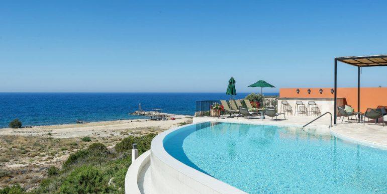 Esentepe Beachfront 500m2 7 Bed Golf Villa - North Cyprus Property 4