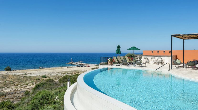 Esentepe Beachfront 500m2 7 Bed Golf Villa - North Cyprus Property 4