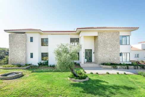 Esentepe Beachfront 500m2 7 Bed Golf Villa - North Cyprus Property 6