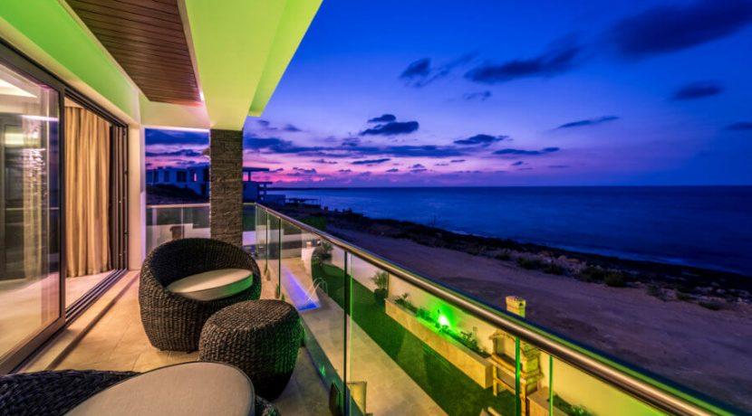 Karsiyaka Beachfront Ultra Modern 5 Bed Villa - North Cyprus Property 18
