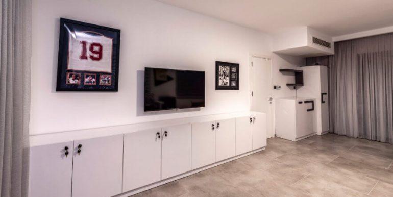 Karsiyaka Beachfront Ultra Modern 5 Bed Villa - North Cyprus Property 21