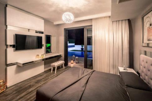 Karsiyaka Beachfront Ultra Modern 5 Bed Villa - North Cyprus Property 26