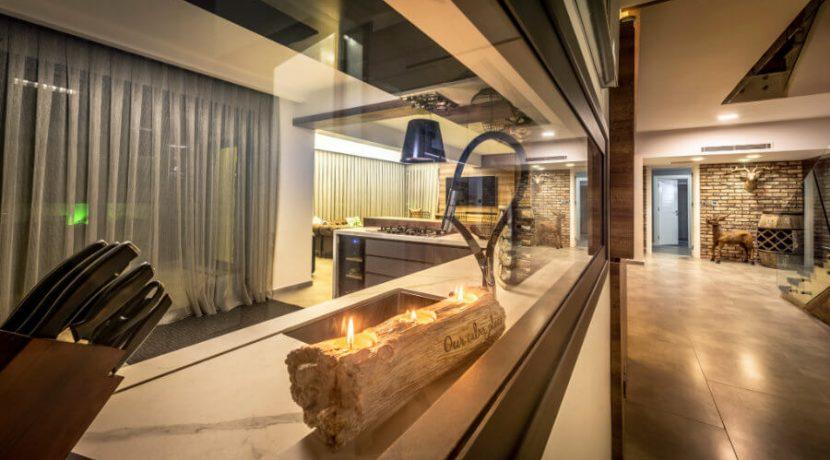Karsiyaka Beachfront Ultra Modern 5 Bed Villa - North Cyprus Property 30