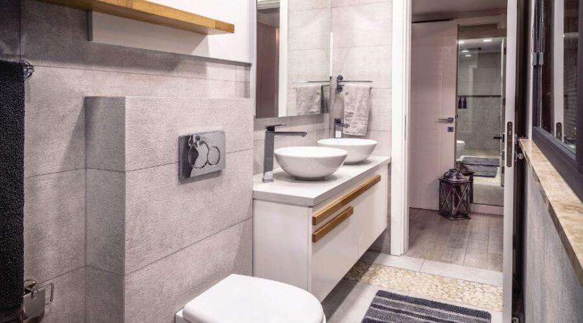 Karsiyaka Beachfront Ultra Modern 5 Bed Villa - North Cyprus Property 40