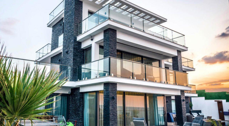 Karsiyaka Beachfront Ultra Modern 5 Bed Villa - North Cyprus Property Z2