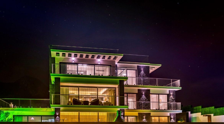 Karsiyaka Beachfront Ultra Modern 5 Bed Villa - North Cyprus Property Z6