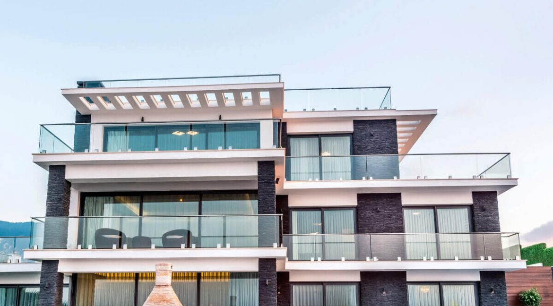 Karsiyaka Beachfront Ultra Modern 5 Bed Villa - North Cyprus Property Z7