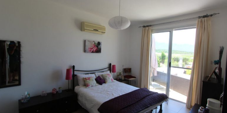 Tatlisu Coast Frontline Apartment 3 Bed - North Cyprus Property 16