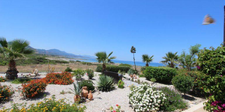 Tatlisu Coast Frontline Apartment 3 Bed - North Cyprus Property 23