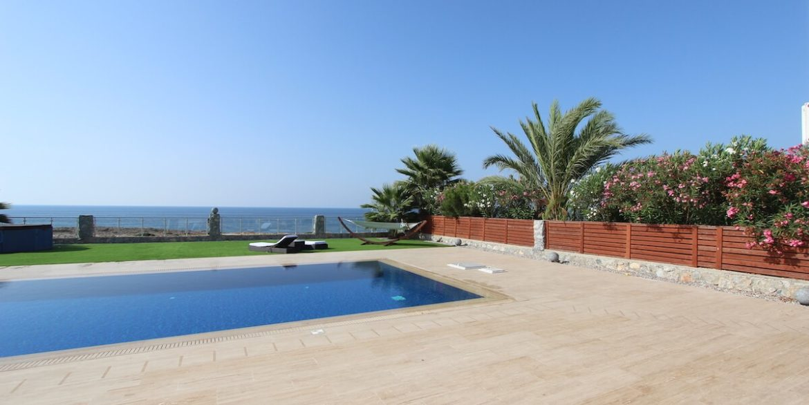 Tatlisu Seafront Luxury Villa 4 Bed - North Cyprus Property 12