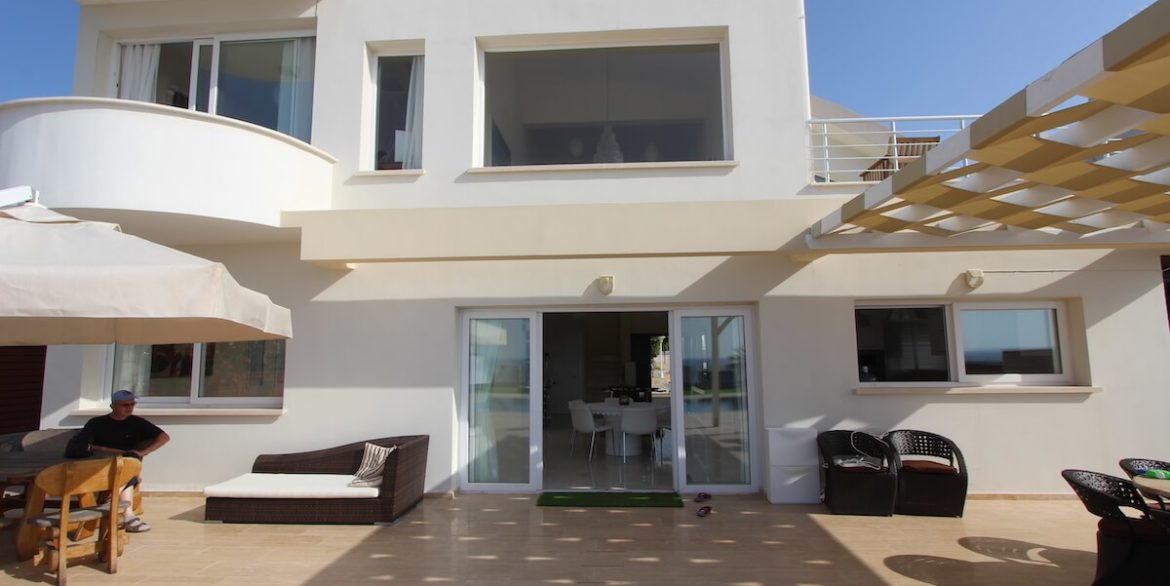 Tatlisu Seafront Luxury Villa 4 Bed - North Cyprus Property 13