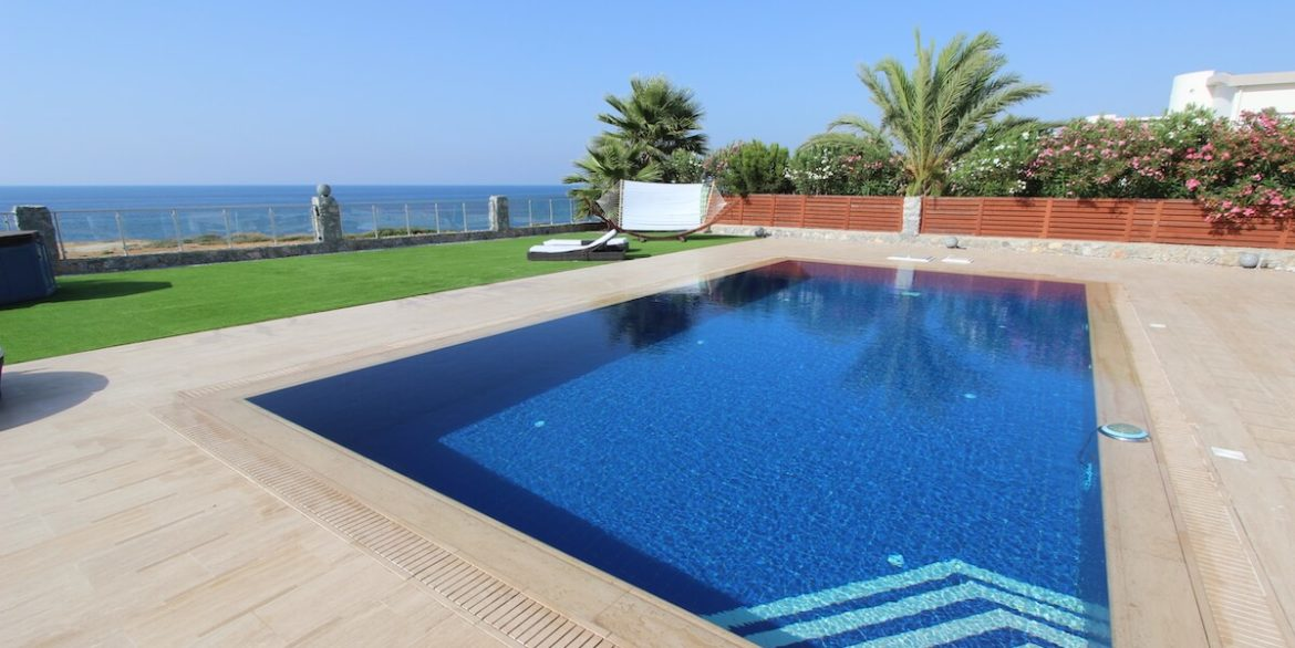 Tatlisu Seafront Luxury Villa 4 Bed - North Cyprus Property 17